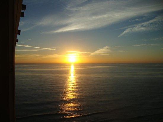 Viva Wyndham Fortuna Beach: sunrise