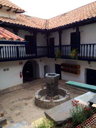 Intro Hostels Cusco: Couryard