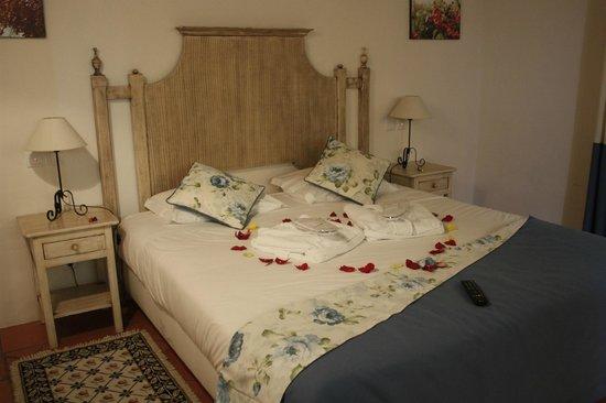 Horta da Moura - Hotel Rural: QUARTO Á CHEGADA