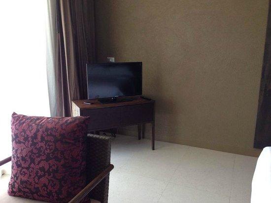 Sunsuri Phuket: ТВ