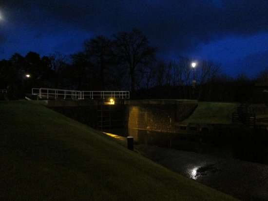 Banavie, UK: The locks by night.