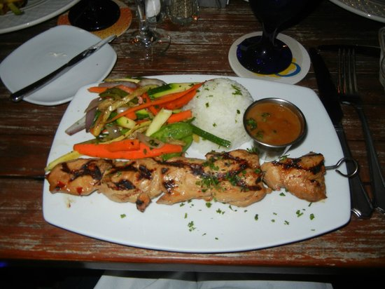 Pinchos Grill & Bar : Thai chicken with peanut sauce (soo sweet I skipped it).