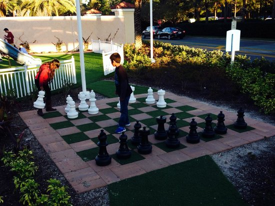 Orlando Premium Outlets - Vineland Avenue: Cool Playground at the Outlets!