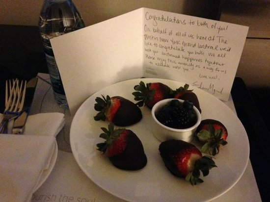The Westin New York Grand Central : Chocolate Covered Strawberries from Management!