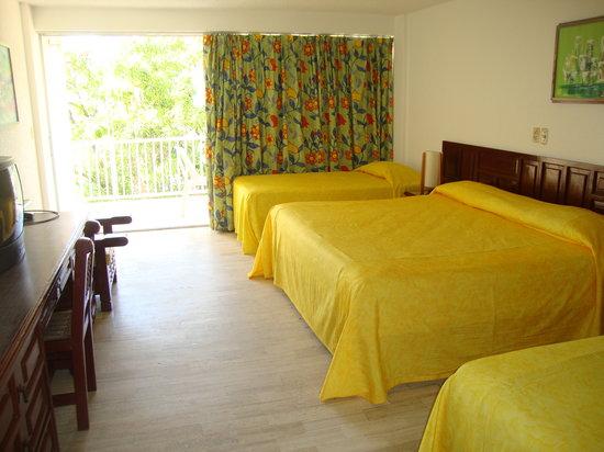 Sands Acapulco Hotel & Bungalows: HABITACIONES ESTANDAR