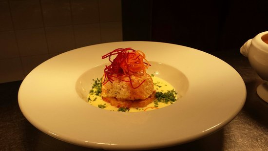 Gallagher's: Confit salmon on potato gratin with parsly sauce