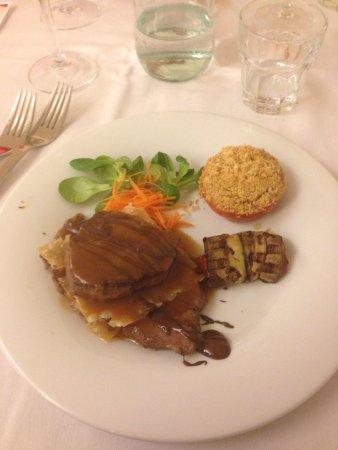 Montemezzi Hotel: Carne con cioccolato...una delizia!!!