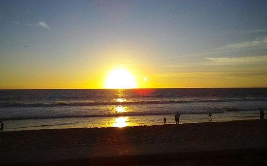 Torres Mazatlan Resort: Never a bad sunset.