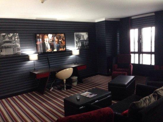Village Hotel Swindon: Kings suite