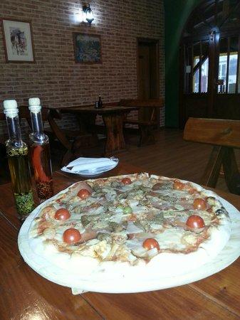 Pizzeria & Grill Pun Pjat: Pizza Pun pjat