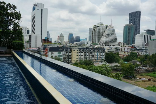 Pullman Bangkok Hotel G: Nice pool