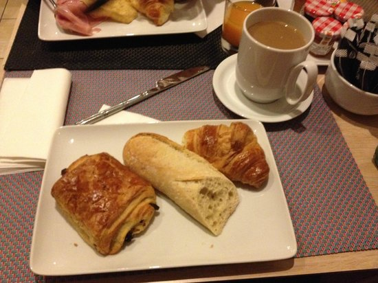Timhotel Opéra Gare Saint Lazare: 朝食のパン