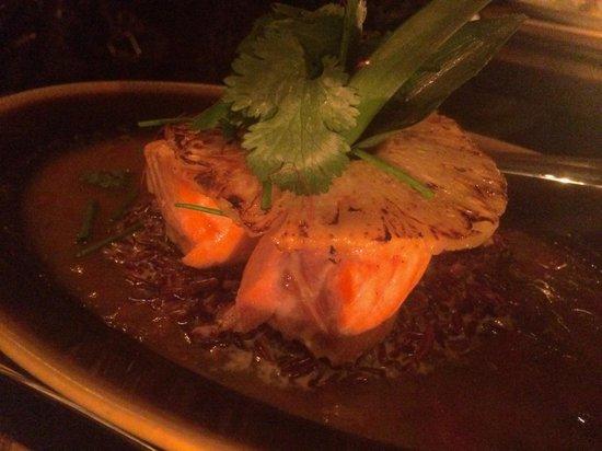 Buddha Bar: Saumon Ananas Riz Rouge Vietnamien