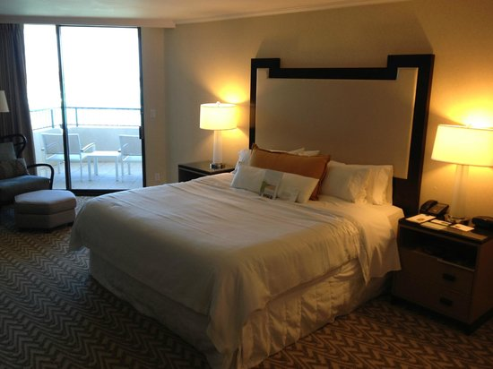Moana Surfrider, A Westin Resort & Spa : nice room, tower wing