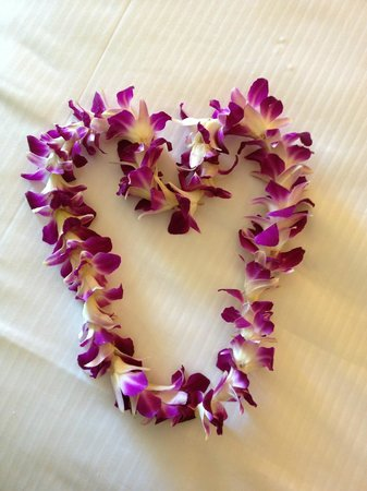 Moana Surfrider, A Westin Resort & Spa: welcome lei
