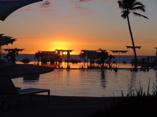 Hilton Puerto Vallarta Resort: Sunset