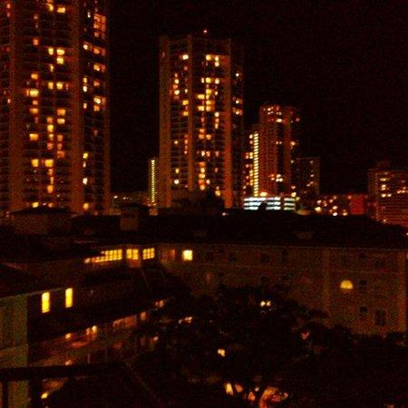 Moana Surfrider, A Westin Resort & Spa: city view