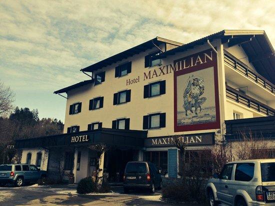 Hotel Maximilian: The outside of the hotel