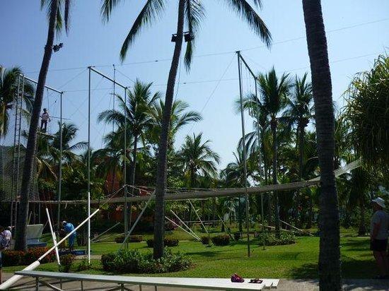 Club Med Ixtapa Pacific: Trapeze centre.