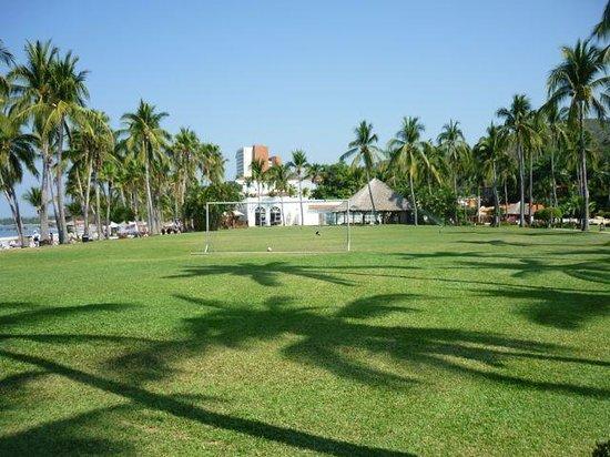 Club Med Ixtapa Pacific: Soccer field.