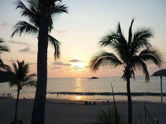 Club Med Ixtapa Pacific : Sunset everyday.