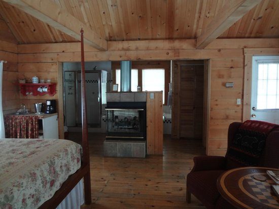 Murphin Ridge Inn: Three Sisters Cabin