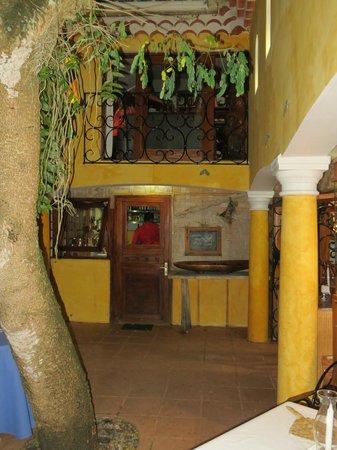 La Villa Mahana: Entry