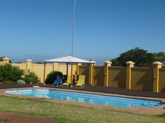 Cap Ou Pas Cap Guesthouse: zalig zwembad