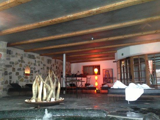 Romantik Hotel Turm: Inside pool room