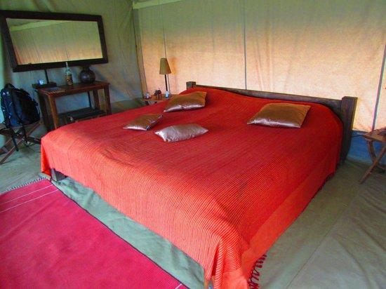 Mara Siria Camp : Bedroom area inside tent