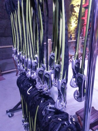 Louisville Mega Cavern : Safety first. Very impressed with self belay system.