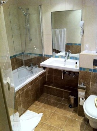 Hotel Saint-Ferdinand by HappyCulture: salle de bain