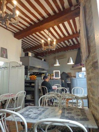 Cannelle Aurore et Michel : The interior