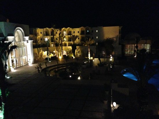 The Residence Tunis : Vista nocturna