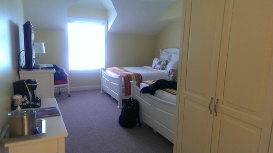Oakwood Resort: Clean, beautifully decorated room