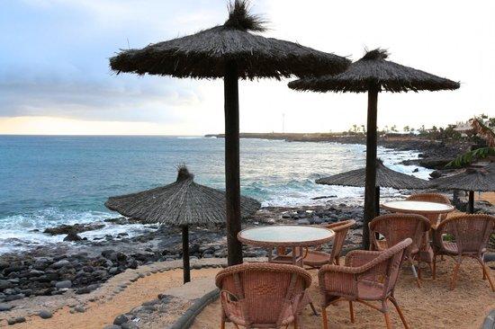 Royal Monica Playa Blanca : La plage de l'hôtel