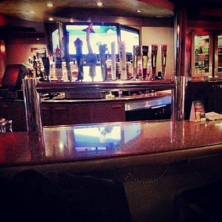 Chelsea Hotel, Toronto: Monarchs Pub