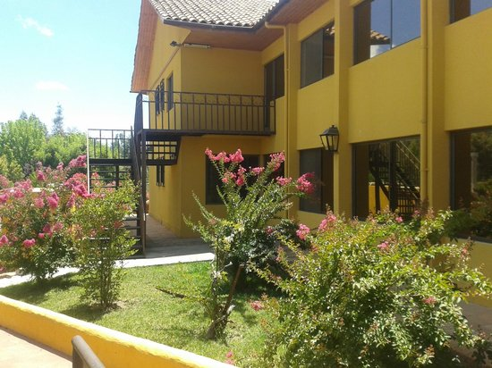 Jardines traseros picture of ontiveros hotel san for Jardines traseros