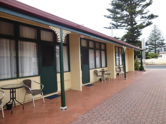 Best Western Melaleuca Motel: outside
