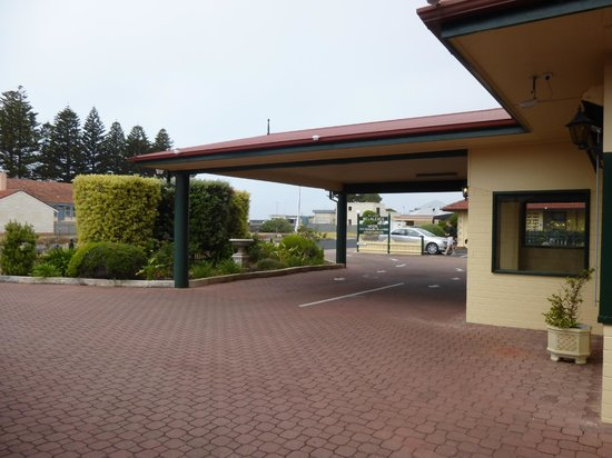 Best Western Melaleuca Motel: hotel entrance