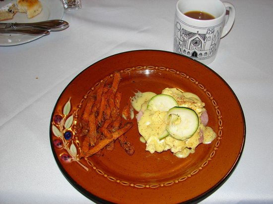 Monteagle Inn & Retreat Center: Breakfast