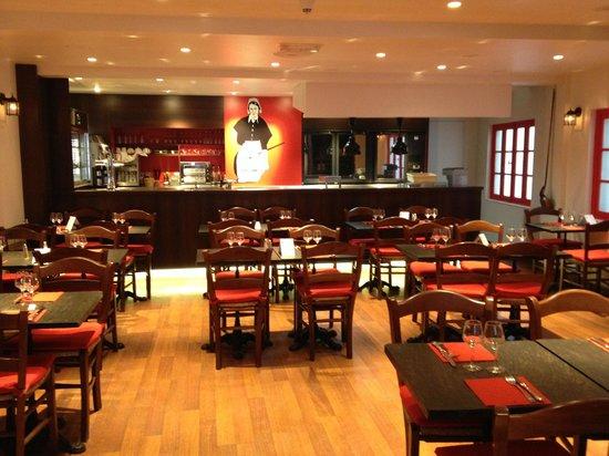 La Mère Poulard Café : 1Fの店内