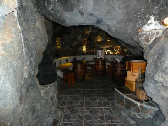 Tasca La Cueva: The Cave