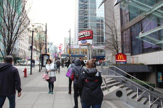 Hyatt Regency Vancouver: 24 Hours McDonald outside -