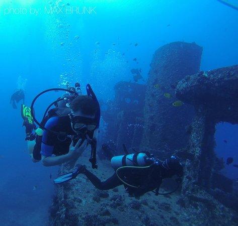 Manini Dive Company: The YO/San Pedro Wrecks