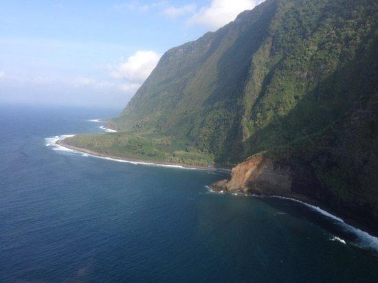 Sunshine Helicopters: Gorgeous coastline..,