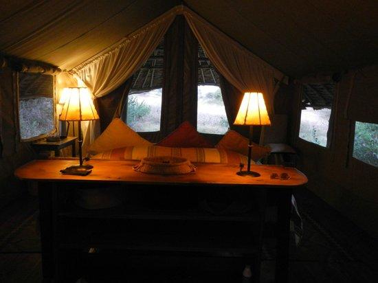 Tortilis Camp : Room toward entrance