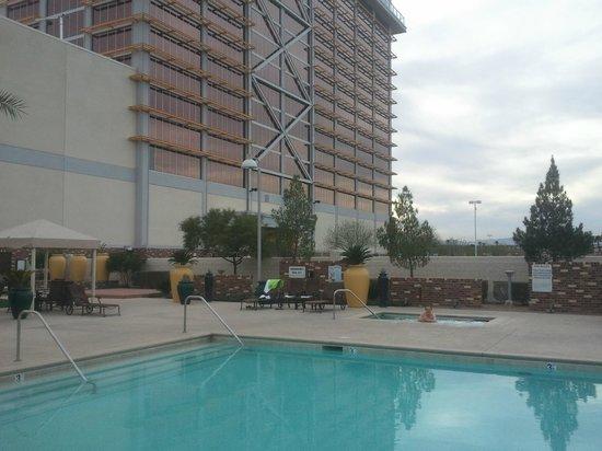 Eastside Cannery Casino & Hotel: zwembad