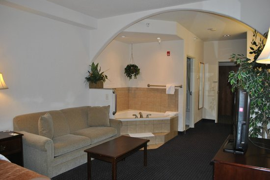 Comfort Inn & Suites Riverton: Hot Tub Suite