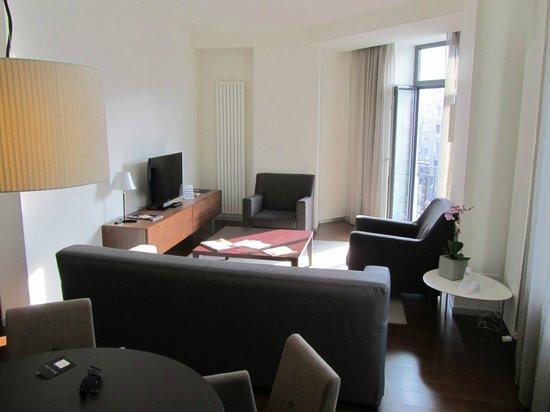 Hotel Cismigiu: Sitting room